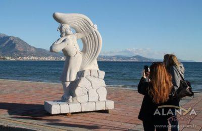 (EN) Taş heykeller turizme kazandırılacak