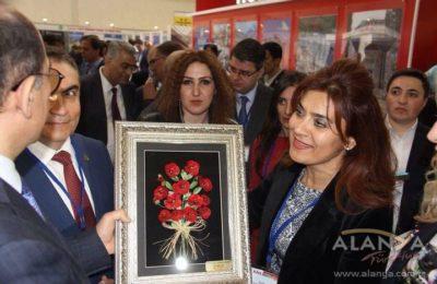 (EN) İlham Aliyev Alanya standında
