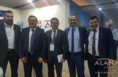 (EN) 'Kazaklar harcamada bonkör'