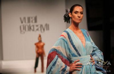(EN) Ünlü modacı Alanya'da defile düzenledi