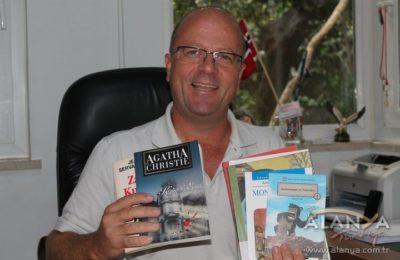Turizmciler 'Bir Kitap da Sen Ver' dedi
