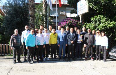 (Turkish) Voleybolculardan teşekkür ziyareti