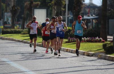(Turkish) 20. Alanya Atatürk Halk Koşusu ve Yarı Maratonu yapıldı